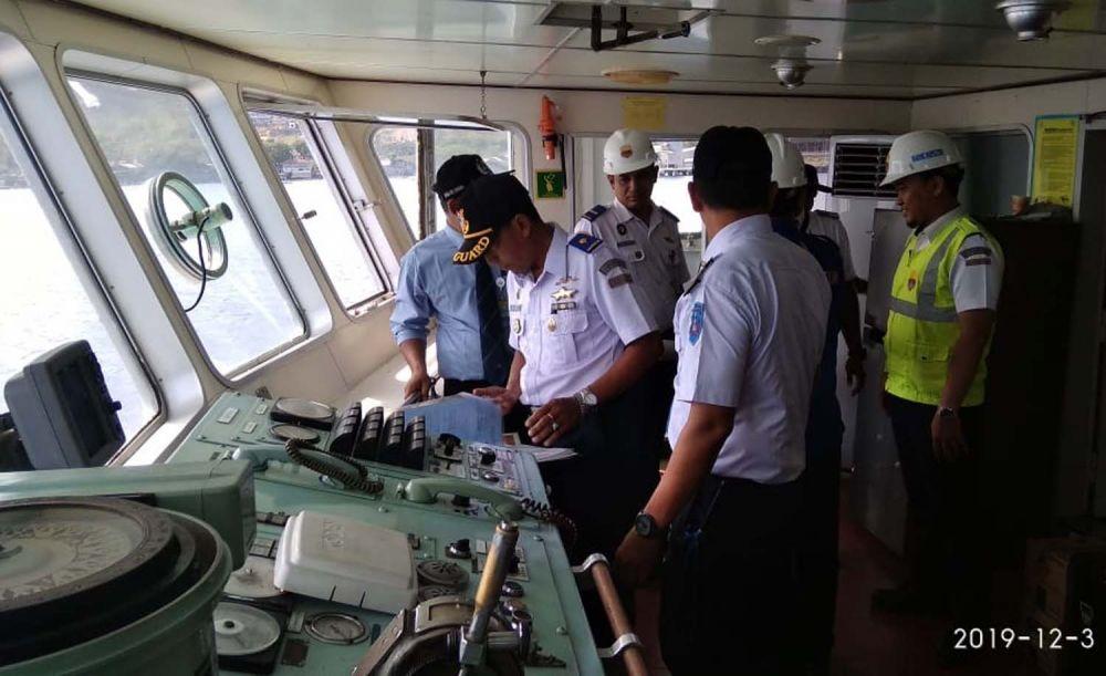 Pengecekan kapal-kapal yang beroperasi di Pelabuhan Ketapang-Gilimanuk