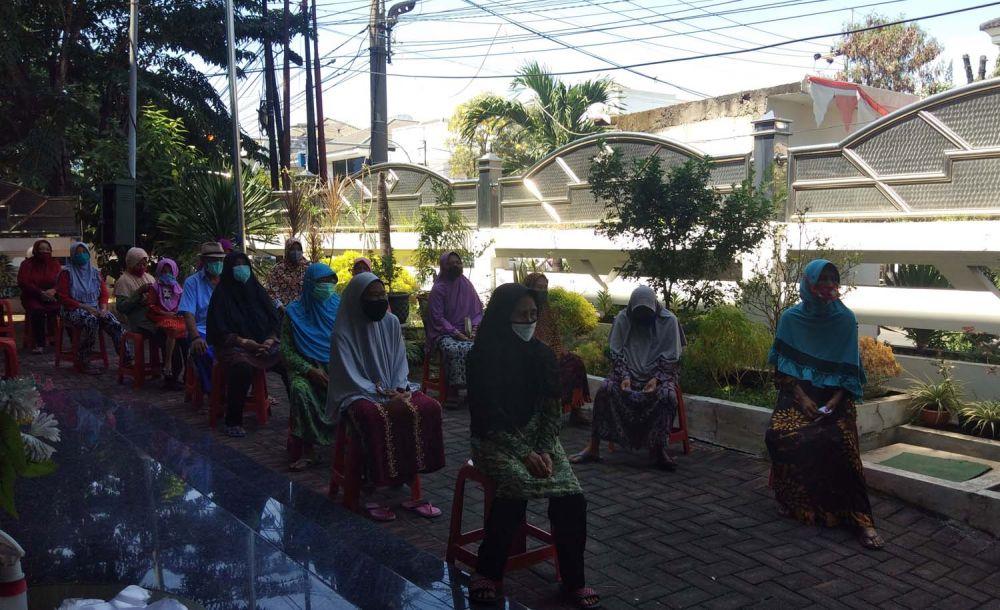 Saat pengusaha di Surabaya bantu warga terdampak Covid-19