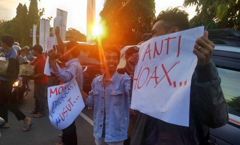 Para mahasiswa Ponorogo kecam kerusuhan Jakarta
