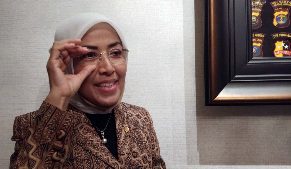 Presiden Universitas Narotama Surabaya Rr. Iswachyu Dhaniarti saat bersilatuhmi ke kediaman Calon Wali Kota Surabaya Irjen Pol (Purn) Machfud Arifin.
