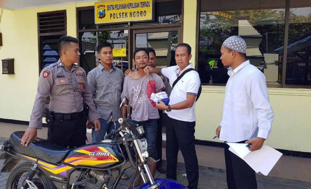 Unit Reskrim Polsek Ngoro, Polres Mojokerto mengamankan pelaku