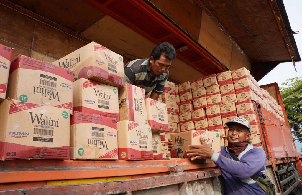 SIG menggelar kegiatan safari ramadan dengan membagikan 12.100 paket sembako ke sejumlah yayasan dan pondok pesantren di Jawa Timur