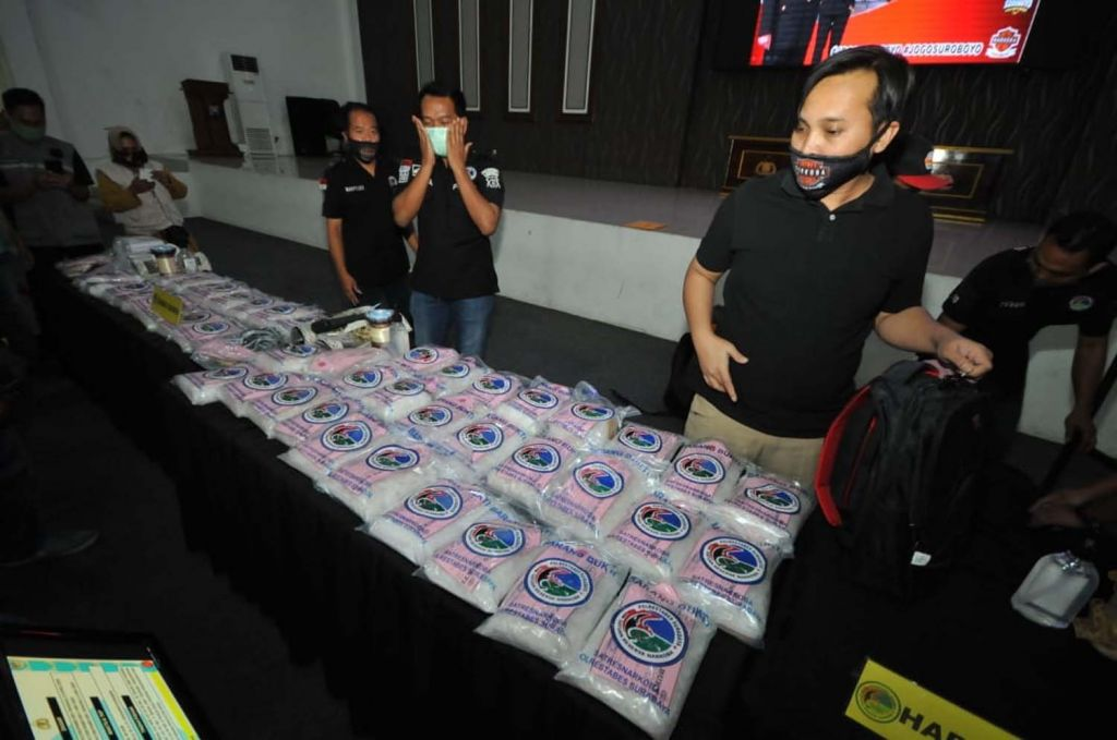 Barang bukti 100 kg sabu hasil ungkap Kasatresnarkoba Polrestabes Surabaya, AKBP Memo Ardian dan timnya pada Mei 2020