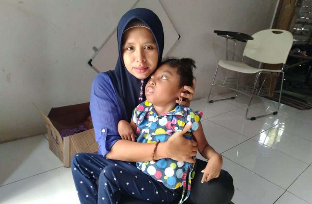 Salah satu anak difabel yang dirawat di Yayasan Sanggar Al Ikhlas, Gresik