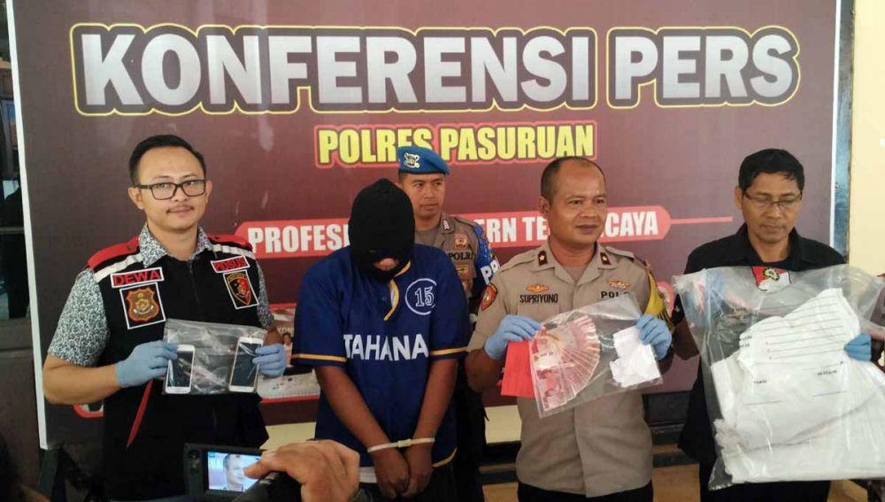 Syahrul Alim, suami yang jual istri untuk seks threesome ditahan di Mapolres Pasuruan