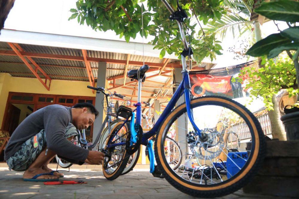 Gagal Merantau Ke Malaysia Pria Ini Buka Bengkel Sepeda Minion