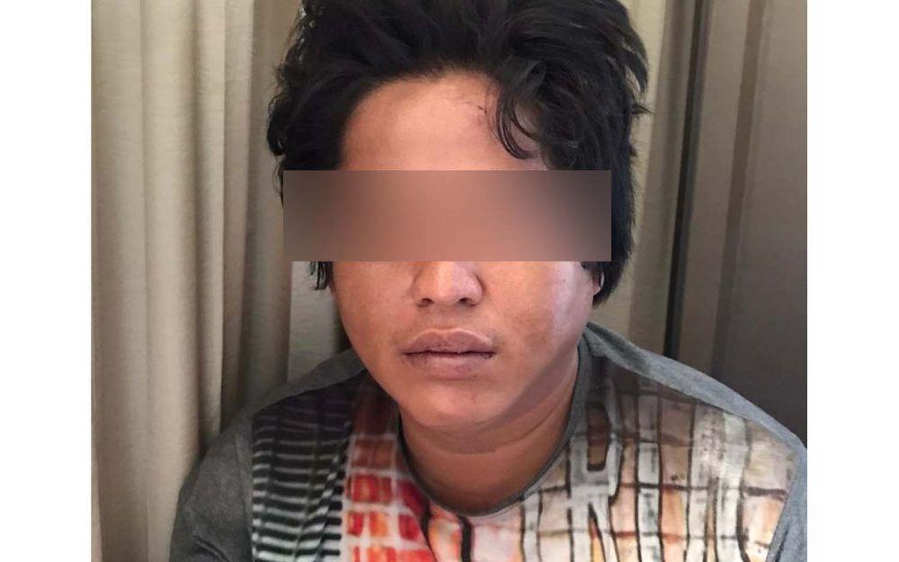 Tersangka Slamet Riyadi saat diamankan Tim Unit III Satresnarkoba Polrestabes Surabaya