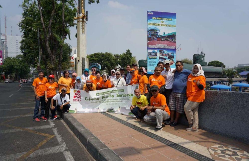 Para Alumni Smala81 di Jembatan Pemuda Surabaya