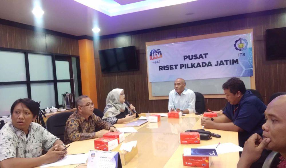 Tim Riset Pilkada JTV dan ITS membeberkan hasil surveinya