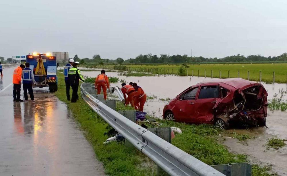 Kondisi Suzuki Ertiga yang terlibat kecelakaan di Tol Madiun-Nganjuk