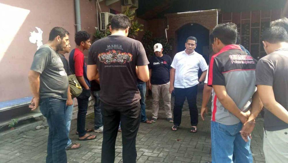 Tim gabungan dari Subdit Jatanras Polda Jatim dan Satreskrim Polres Mojokerto Kota