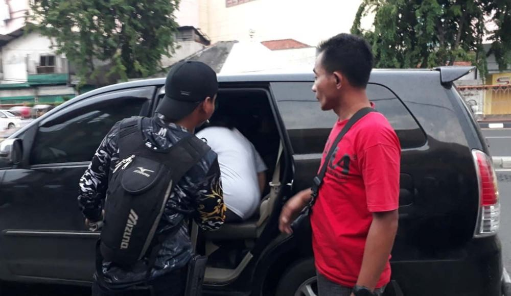 Pemilik toko emas di Wonokromo, Surabaya korban perampokan dibawa kepolisian untuk dimintai keterangan