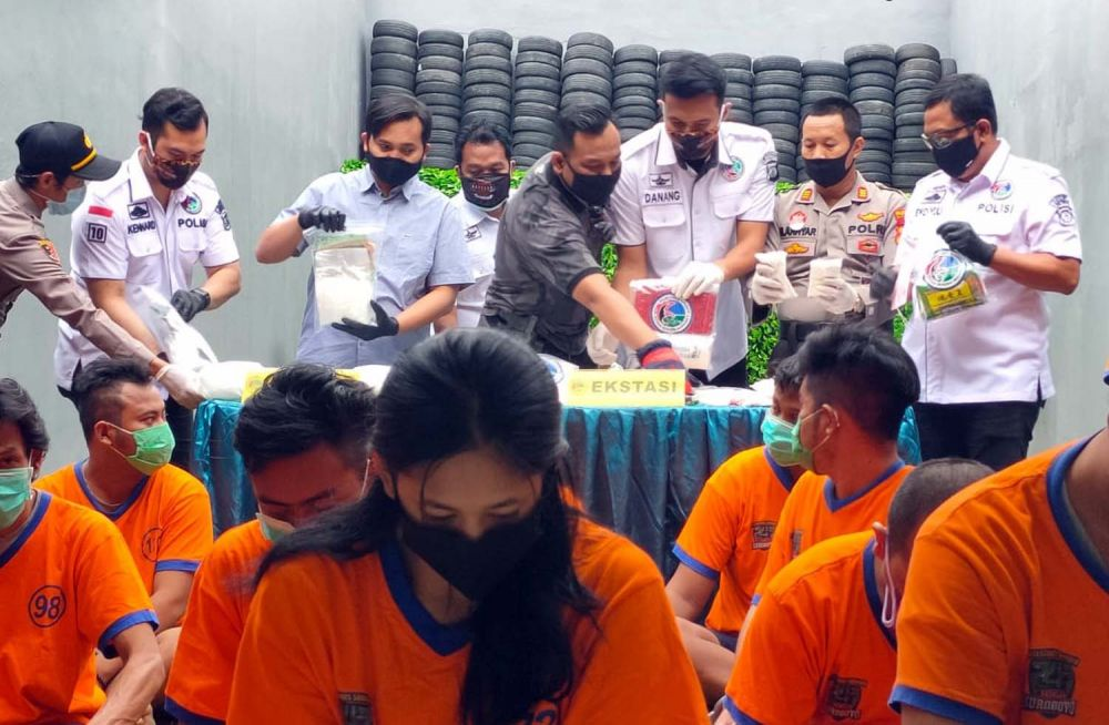 Hasil ungkap Satresnarkoba Polrestabes Surabaya mulai 1-28 April 2020