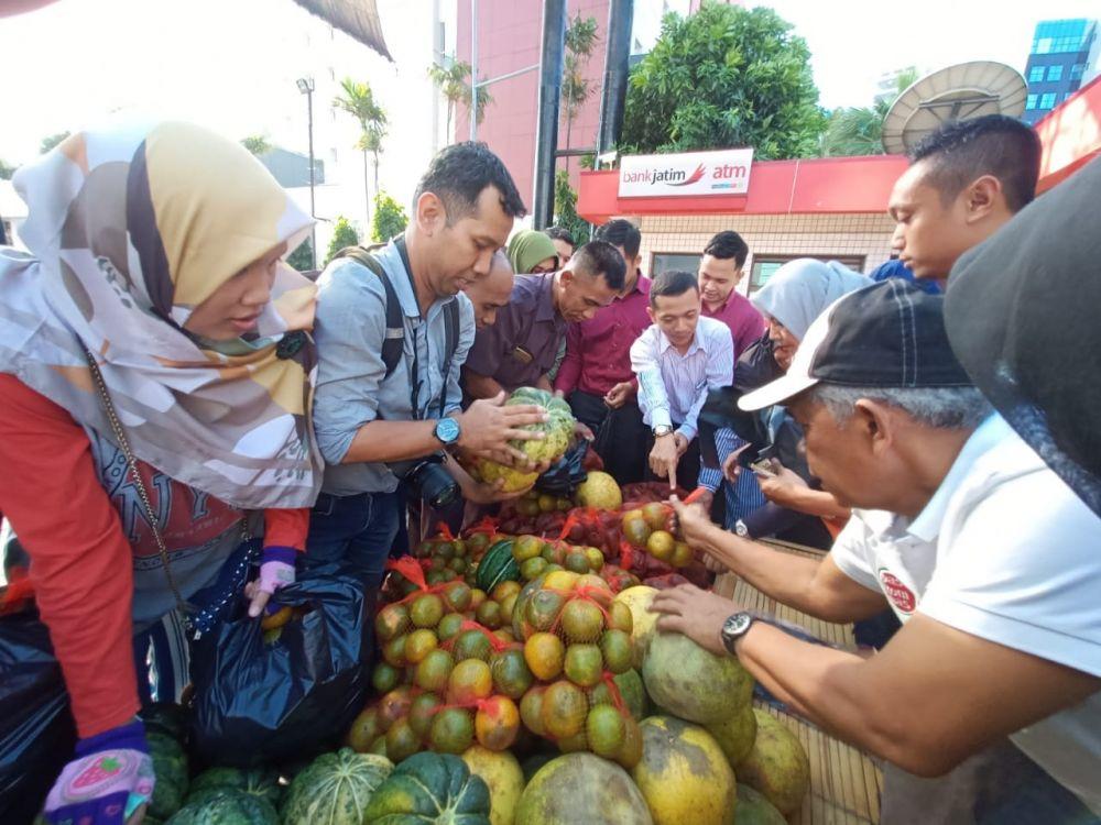 Belanja aneka buah murah