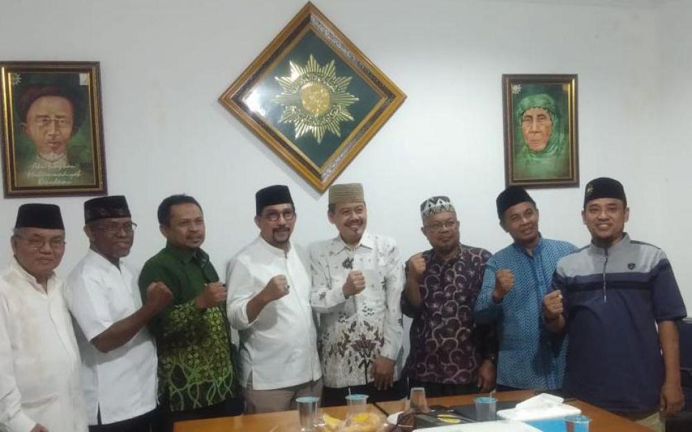 Machfud Aarifin bersama pengurus Pimpinan Daerah Muhammadiyah Kota Surabaya