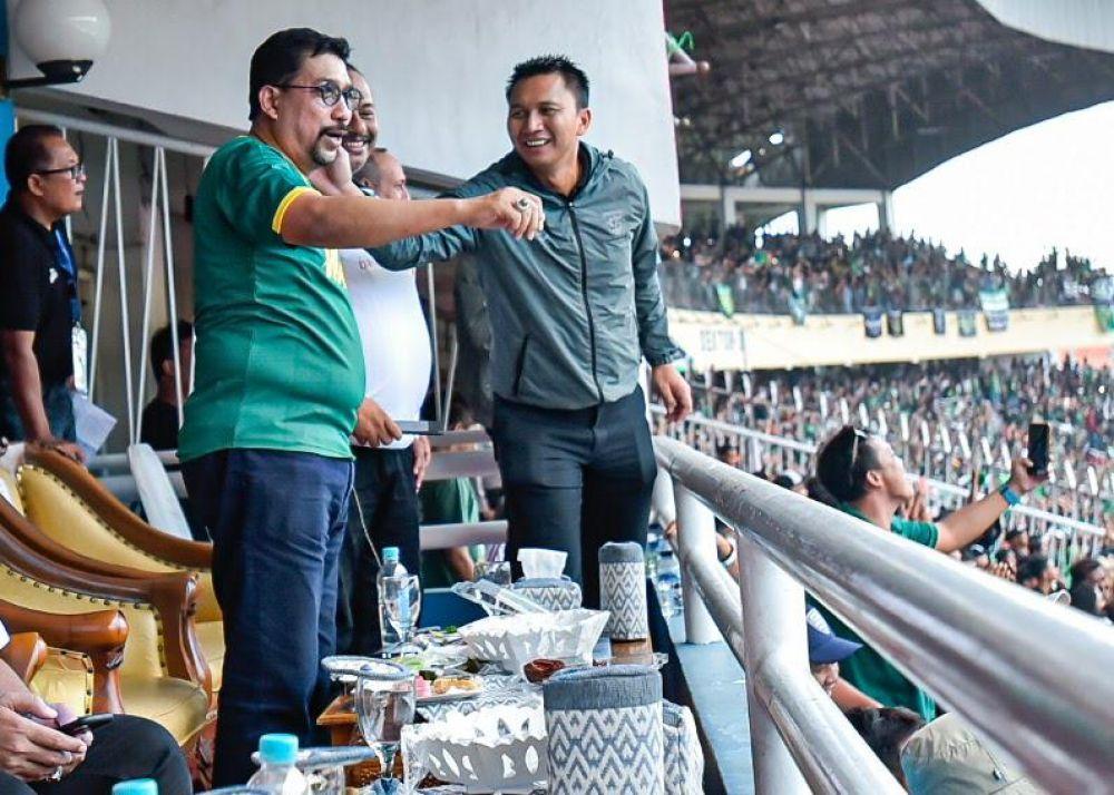 Gaya Machfud Arifin saat Persebaya juarai Piala Gubernur Jatim 2020