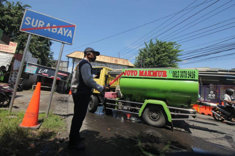 Operasi Ketupat Semeru 2020 di perbatasan Surabaya-Sidoarjo titik Rungkut Menanggal-Pondok Tjandra