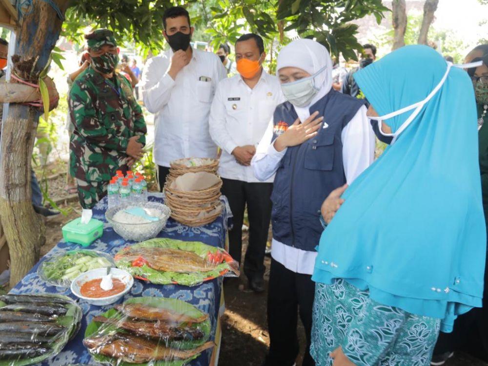 Gubernur Jatim Khofifah Indar Parawansa saat meninjau inovasi-inovasi Kampung Tangguh di Kota Probolinggo