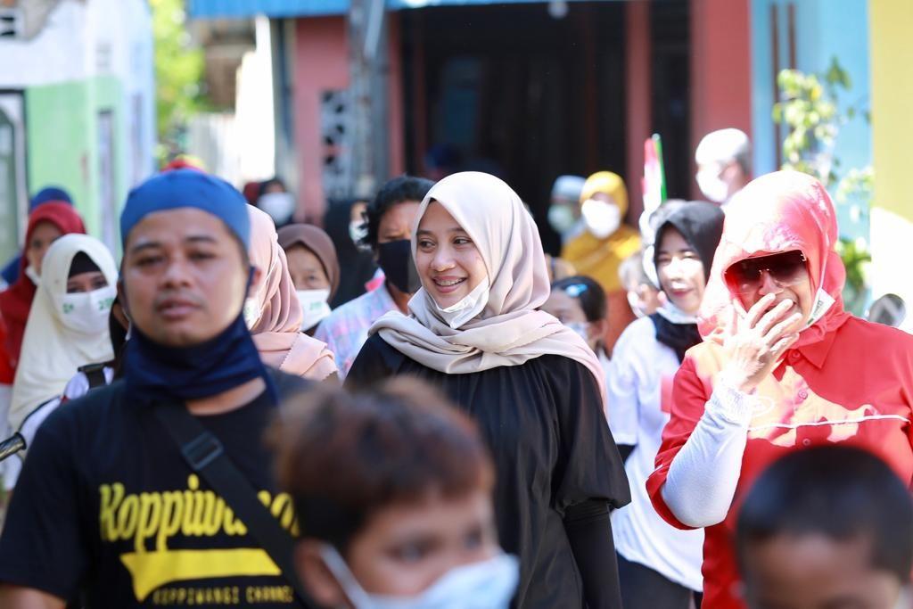Saat Ipuk Fiestiandani door to door menyapa warga di sejumlah kampung di Banyuwangi