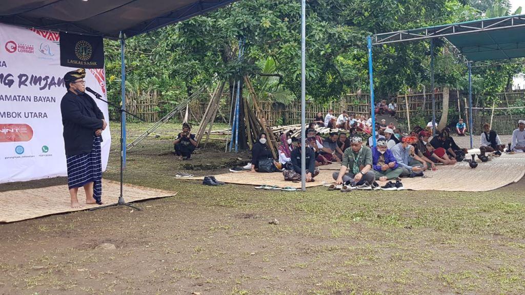 Tradisi adat Sasak 'Asuh Gunung Rinjani' di Desa Senaru, Kecamatan Bayan, Kabupaten Lombok Utara