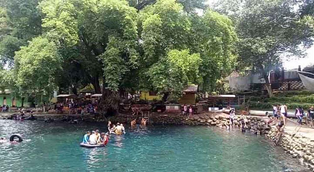 Wisata Banyu Biru 2 - Yuk! Wisata Kuliner Enak dan Murah di Kota Pasuruan