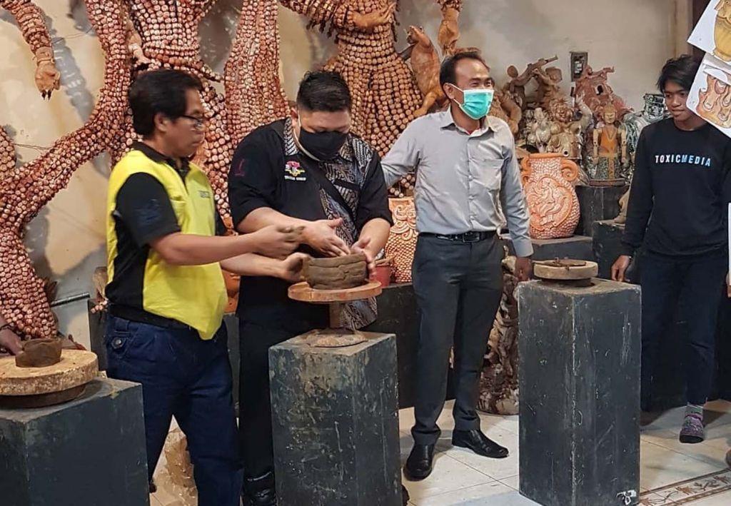 Kerajinan gerabah di wisata edukasi Kelurahan Dadaprejo, Kecamatan Junrejo, Kota Batu