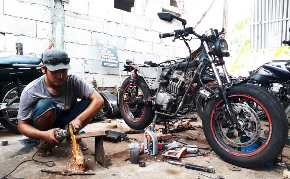 Image result for bengkel motor custom