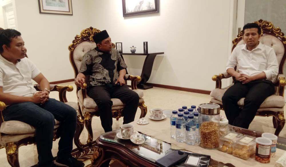 Bersama Gus Hans bertemu Wagub Jatim Emil Dardak/Foto: Facebook @fuad benardi