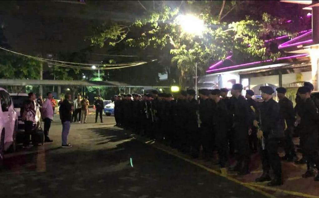 Kapolrestabes Surabaya, Kombes Pol Rudi Setiawan memimpin penghalauan