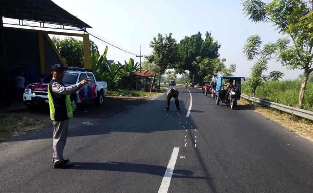 Olah TKP kecelakaan di Porong, Sidoarjo