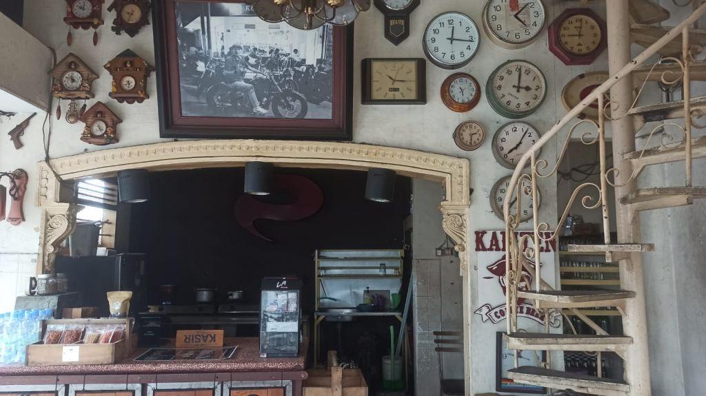 Arsitektur kedai Kopi Lonceng, Malang. (Foto: Arina Pramudita/jatimnow.com)