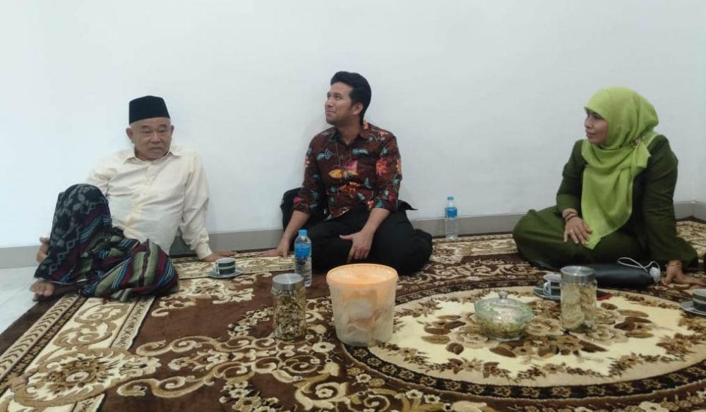 KH Asep Syaifuddin Chalim, Wakil Gubernur (Wagub) Emil Dardak dan Dwi Astutik pada pertemuan Kamis (19/9) malam /Foto: Istimewa
