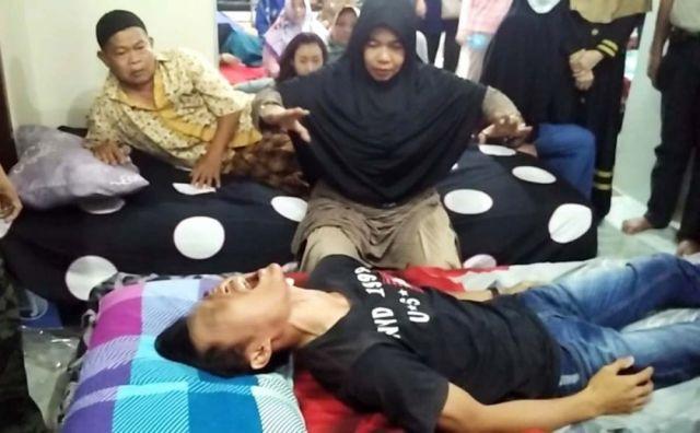 Cuma Di Indonesia, Corona Bisa Dicicipi, Rasanya Katanya Apek-Apek Sesek
