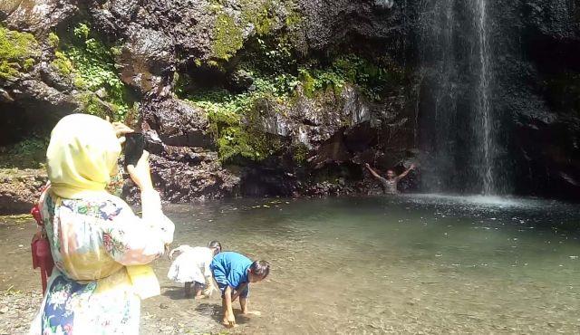 Wisata Ke Air Terjun Kakekbodo