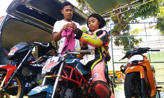 Ifana Bocah Pembalap Motor Asal Lumajang Dengan Sederet Prestasi