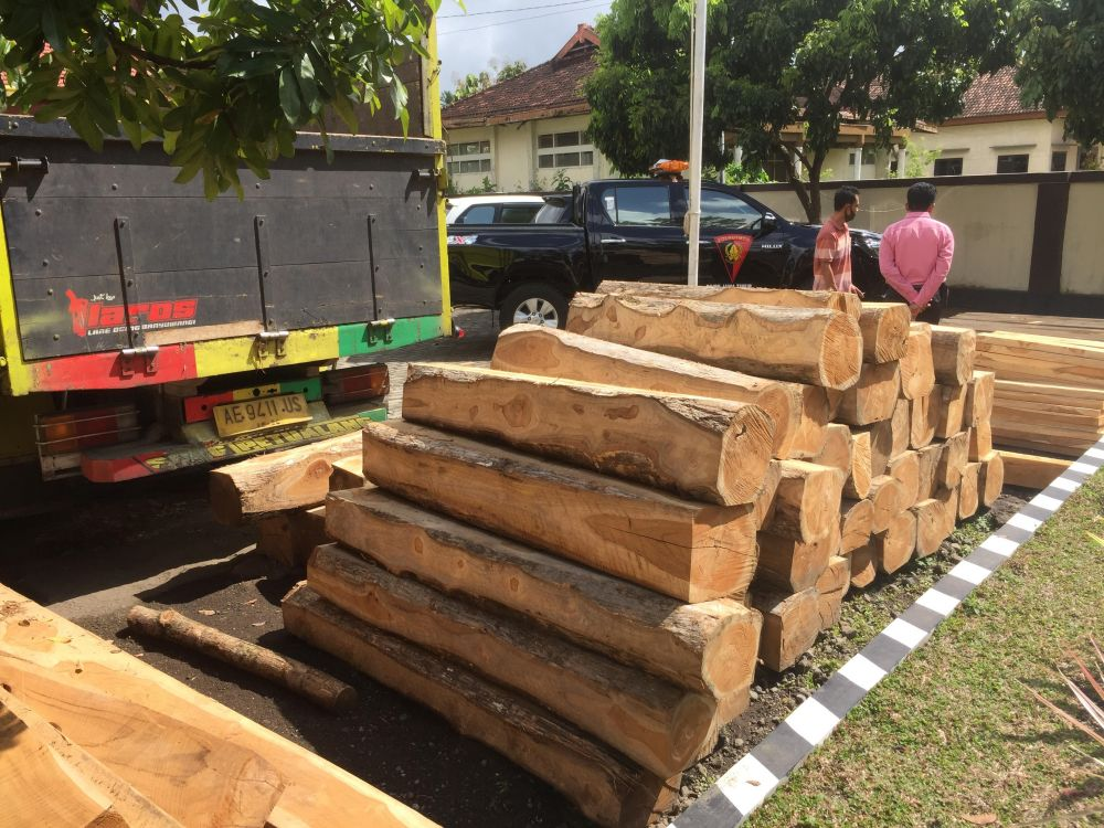 8m3 of illegal Teak logs reportedly seized in Sraten